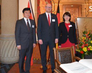 Empfang des Vize-Oberbürgermeisters von Chongqing im Rathaus der Stadt Duisburg
