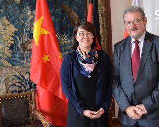Offizielle Erteilung der Sondervollmacht für Herrn Pflug als China-Beauftragter