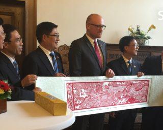 Festakt mit staatlich chinesischem Unternehmen WAE Logistics Co., LTD. im Duisburger Rathaus_06.11.2015